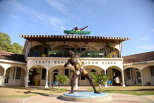 Montego Bay Highlignts - Usin Bolt Tracks & Records